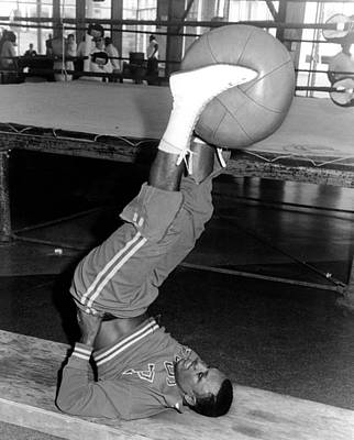 Joe Frazier In Training At The Concord Art Print