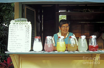 Photograph - Juice Lady Guayaquil Ecuador by John  Mitchell
