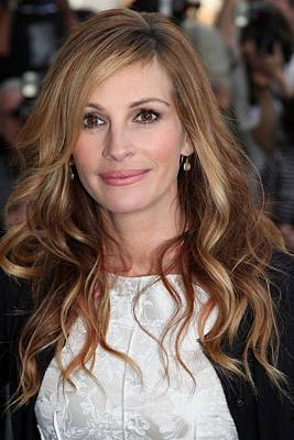 Alice Tully Hall At Lincoln Center Photograph - Julia Roberts At Arrivals For The Film by Everett