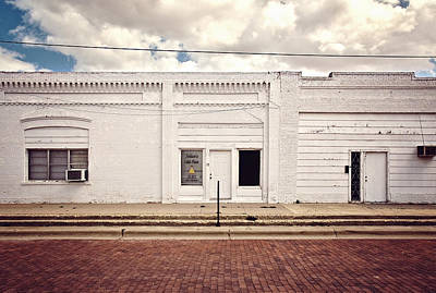 Street Photograph - Julia's Cake Place In Slaton Texas by Ilker Goksen