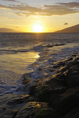 Photograph - Kamaole Beach Sunset by Marilyn Wilson