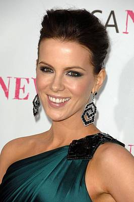 Kate Beckinsale At Arrivals For Moca Art Print