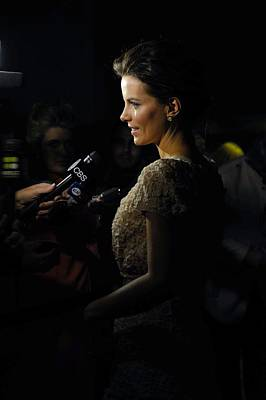 Kate Beckinsale At Arrivals For Nowhere Art Print by Everett