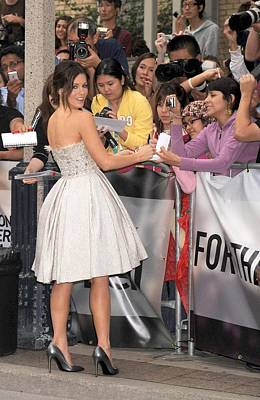 Full Skirt Photograph - Kate Beckinsale Wearing An Elie Saab by Everett