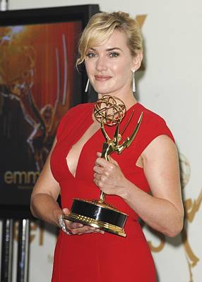 Kate Winslet Photograph - Kate Winslet In The Press Room For The by Everett