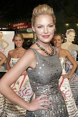 Katherine Heigl Wearing A Bill Blass Art Print