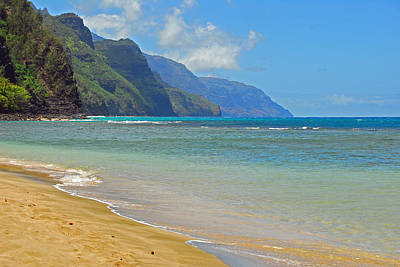 Photograph - Ke'e Beach by Lynn Bauer