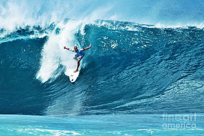 Kelly Slater At Pipeline Masters Contest Art Print by Paul Topp
