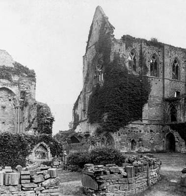 Photograph - Kenilworth Castle - England - C 1897 by International  Images