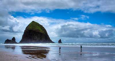 Sandy Beaches Photograph - Kids At Play On Cannon Beach by David Patterson