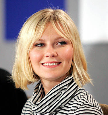 At The Press Conference Photograph - Kirsten Dunst At The Press Conference by Everett