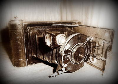 Photograph - Kodak Model B Camera by Cindy Wright