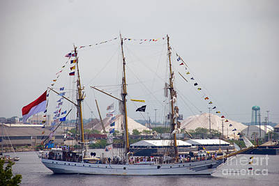 Photograph - Kri Dewaruci Passing By Fort Mchenry by Mark Dodd