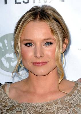 Kristen Bell Photograph - Kristen Bell At Arrivals For Artivist by Everett