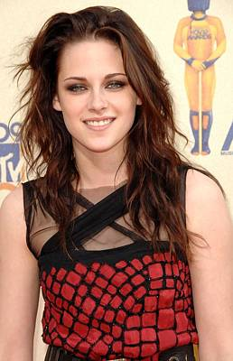 Kristen Stewart At Arrivals For 2009 Print by Everett