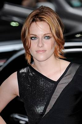 Celebrity Candids - Monday Photograph - Kristen Stewart, Visits The Late Show by Everett