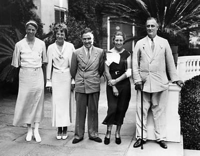 L-r First Lady Eleanor Roosevelt Art Print by Everett