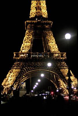 Mauverneen Blevins Photograph - La Belle Eiffel by Mauverneen Blevins