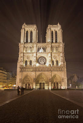 Photograph - La Dame De Quasimodo by Tom Migot