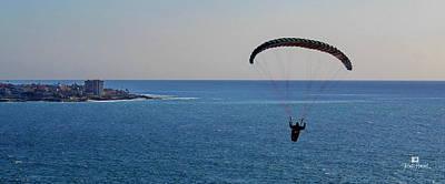 Pacific Photograph - La Jolla Hang Gliding by Russ Harris
