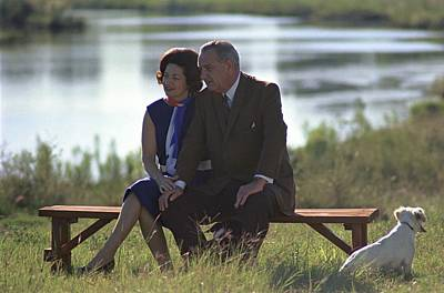 Lady Bird And President Johnson Sit Art Print by Everett