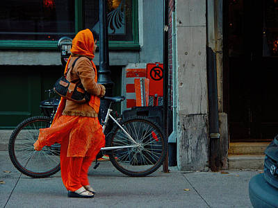 Photograph - Lady In Orange Sari by Robert Knight
