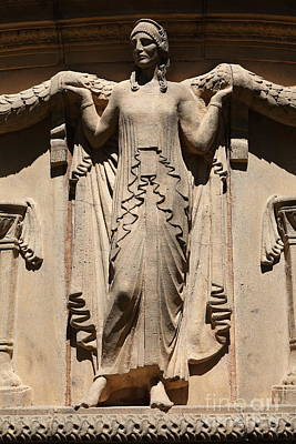 Photograph - Lady Of The San Francisco Palace Of Fine Arts - 5d18154 by Wingsdomain Art and Photography