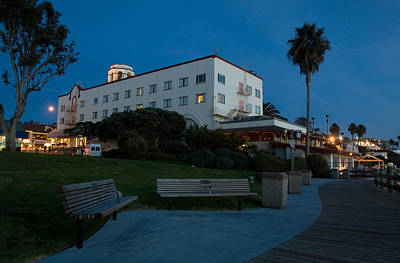 Photograph - Laguna Beach At Night by Cliff Wassmann