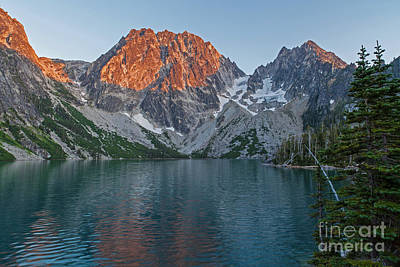 Photograph - Lake Colchuck Sunset by Mike Reid