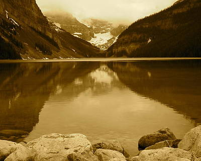 Photograph - Lake Louise by Eli Tynan