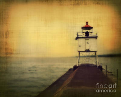 Pier Houses Photograph - Lake Superior Classic by Perry Webster