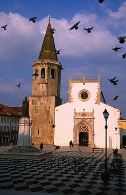 Late 15th Century Igreja De Sao Joao Baptista Facing Praca Da Republica, Tomar, Ribatejo, Portugal, Europe Art Print by Anders Blomqvist
