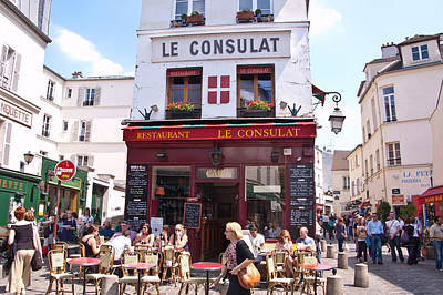 Sacre Coeur Photograph - Le Consulat Cafe  by Jon Berghoff