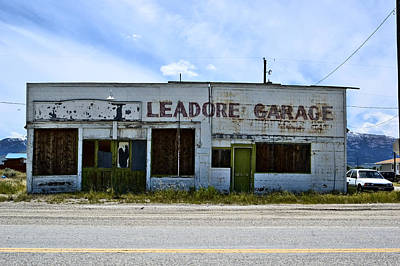 Photograph - Leadore Garage by Sara Stevenson