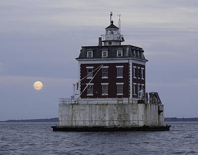 Photograph - Ledge Light by Frank Pietlock