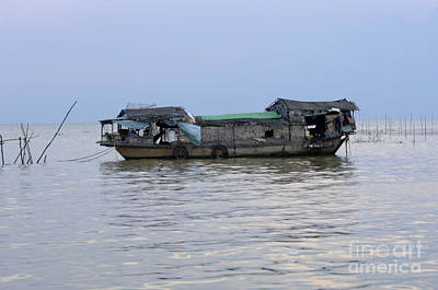 Photograph - Life On Lake Tonle Sap 6 by Bob Christopher