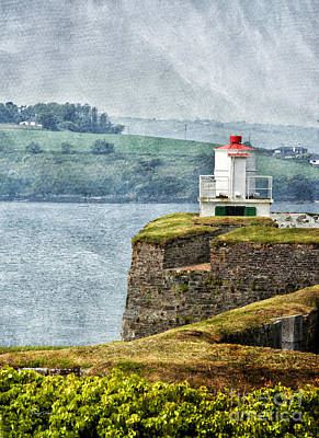 Photograph - Lighthouse At Charles Fort by Cheryl Davis