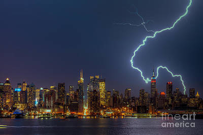 Photograph - Lightning Over New York City Vii by Clarence Holmes