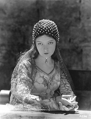 Story-1920s Photograph - Lillian Gish In Romola, 1924 by Everett