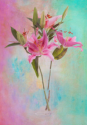 Lily 322a Art Print by James Bethanis