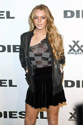 Lindsay Lohan At Arrivals For Diesel Art Print
