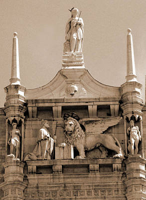 Photograph - Lion Of Venice Between Spires by Donna Corless