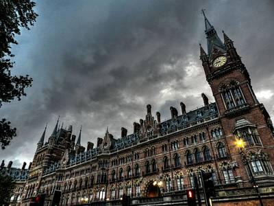 Photograph - London 013 by Lance Vaughn