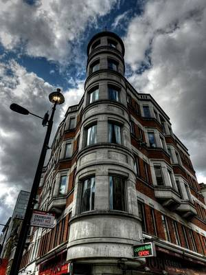 Photograph - London 029 by Lance Vaughn