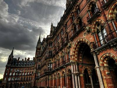 Photograph - London 056 by Lance Vaughn