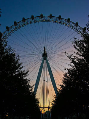 Photograph - London Eye At Twilight by Roger Mullenhour