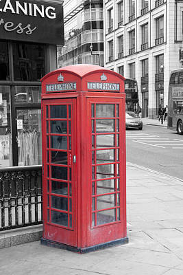 Cityscape Photograph - London Phone Box by Dawn OConnor