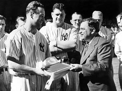 Lou Gehrig Photograph - Lou Gehrig Presented With A Scroll by Everett
