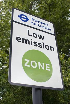 Low Emission Zone Sign In Essex, Uk. Art Print by Mark Williamson