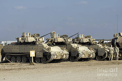 Photograph - M2m3 Bradley Fighting Vehicle by Terry Moore